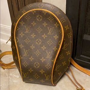 ⭐️price is firm⭐️Louis Vuitton Ellipse backpack